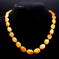 Vintage Flat Olive Style Baltic Amber Beads Necklace Butterscotch 13.6 g  46 cm  18.11""